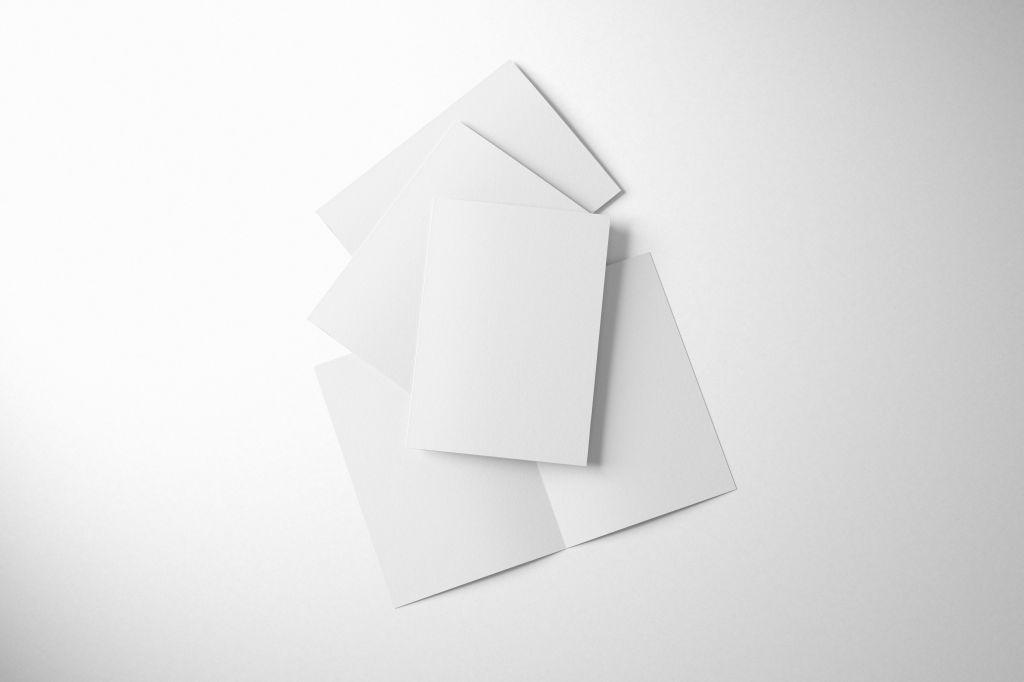 A4二折页折叠卡片PSD样机贴图Folded A4 Cards Mockup Set